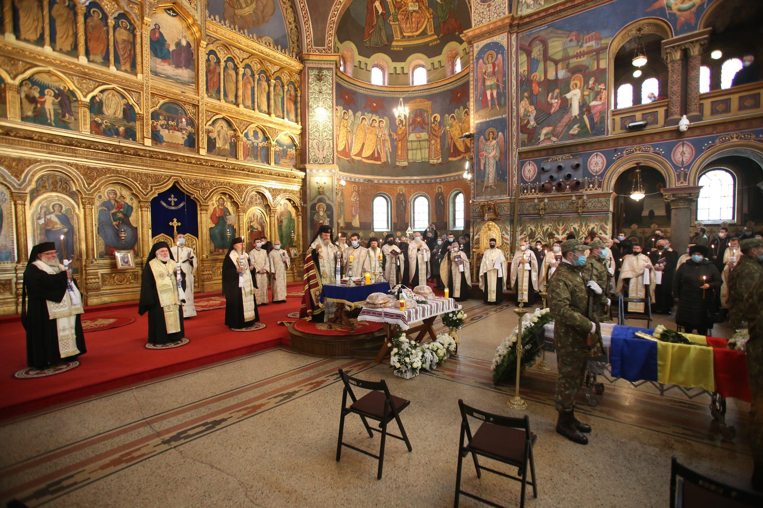Părintele academician Mircea Păcurariu a fost condus pe drumul veșniciei