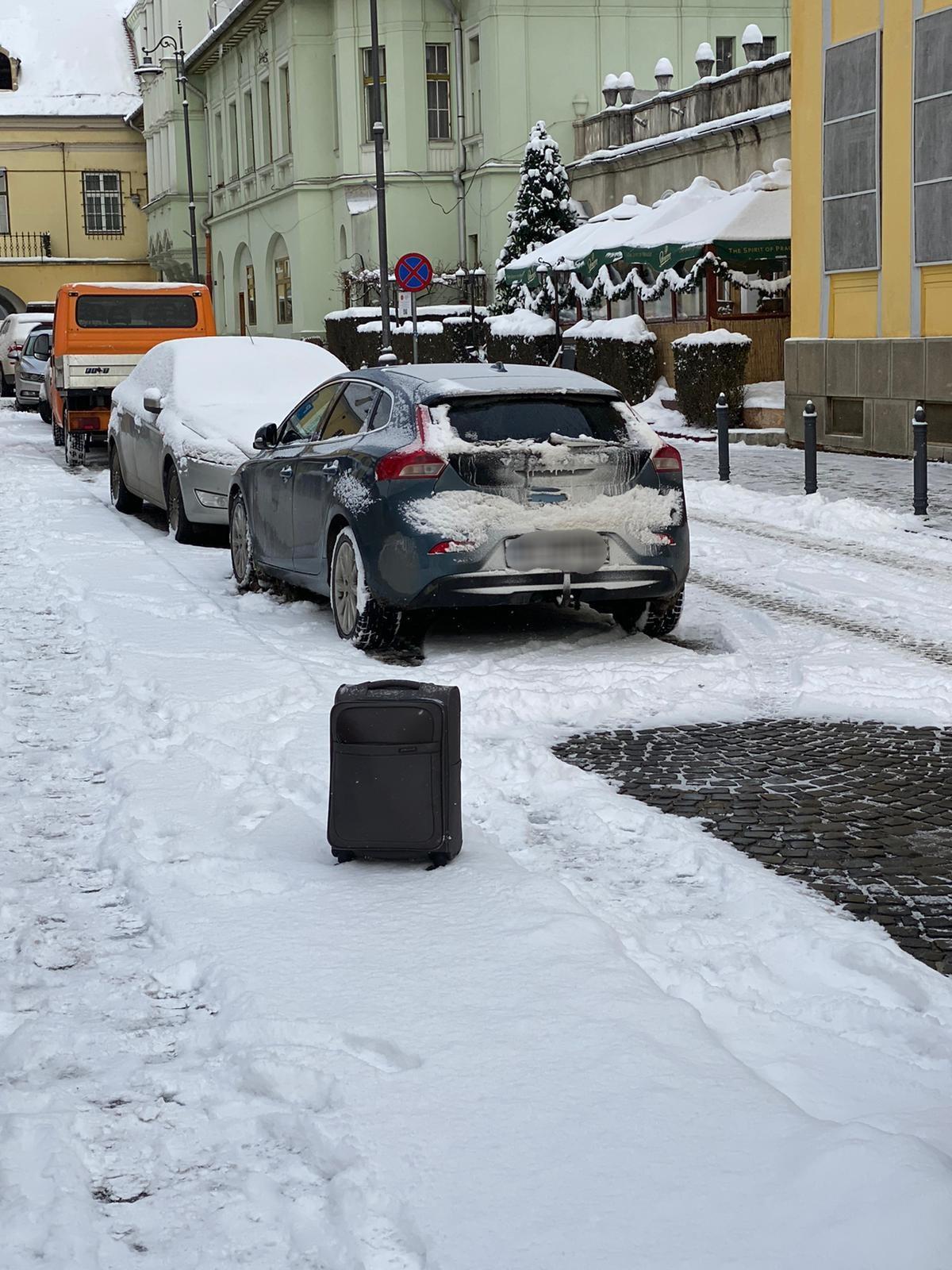 Foto- Troller suspect pe Strada Arhivelor