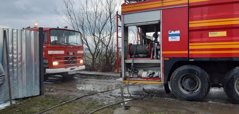 Incendiu în Ocna Sibiului, provocat de jarul căzut din sobă