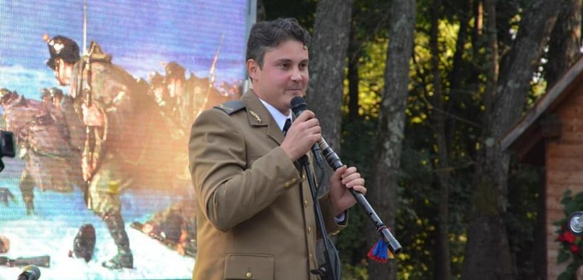 Sergentul care îmbină armonios milităria cu pasiunea pentru folclorul arhaic românesc și instrumentele tradiționale