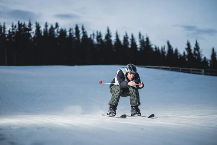 Maratonul de ski de la Păltiniș, câștigat de un instructor al AFT