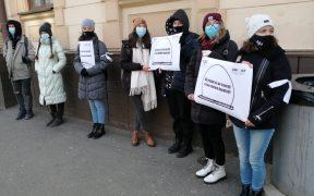 Asociația Studenților în Psihologie Sibiu a protestat față de pierderea gratuității pentru călătoriile cu trenul