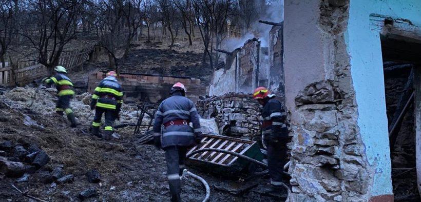 """Pompierii sibieni au avut o noapte """"agitată"""""""
