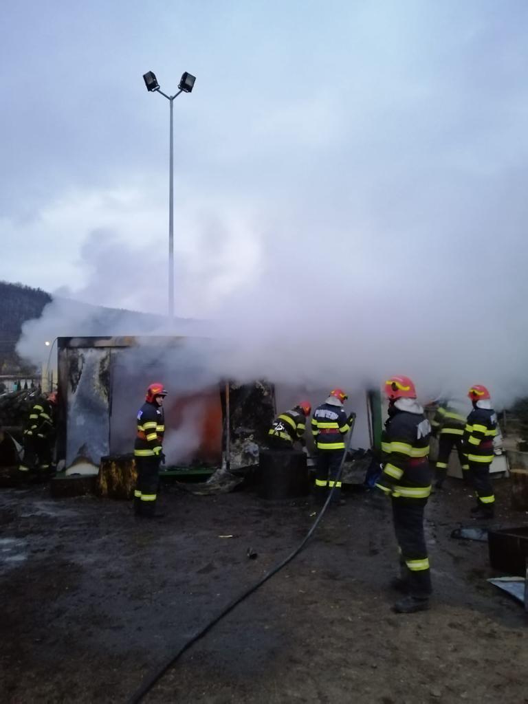 Pompierii ISU Sibiu au realizat133 de misiuni la sfârșit de săptămână