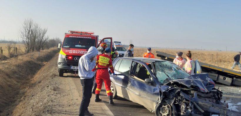 Accident grav la intrarea în Șura Mare, cu trei mașini implicate