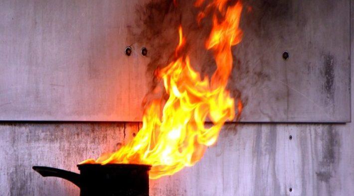 Viața unei femei a fost în pericol din cauza unei oale uitate pe foc