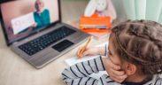 Peste 17.000 dintre elevii sibieni vor face în continuare în școala online- Află de ce