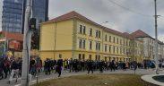 Aproximativ 500 sibieni au protestat împotriva restricțiilor decise de Guvern