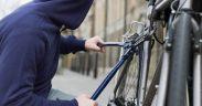 Suspecți de furtul unei biciclete, identificați de proprietarul acesteia