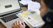 De mâine alți 443 de elevi vor participa online la cursuri
