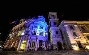 Primăria Sibiu a fost iluminată în albastru de Ziua Internațională a Conștientizării Autismului