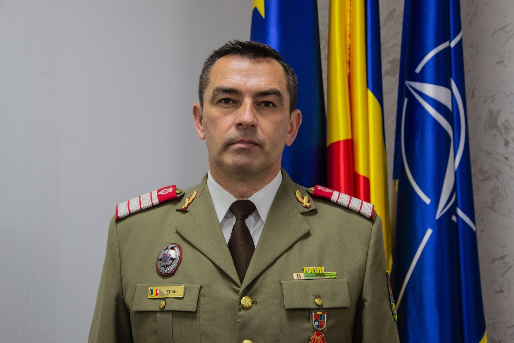 Trei cadre militare din cadrul AFT Sibiu au trecut în rezervă