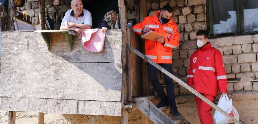 220,000 de persoane din 780 de localități izolate au fost vizitate de voluntarii Crucii Roșii Române