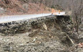 Încep lucrările de refacere și consolidare pe două drumuri județene afectate de calamități