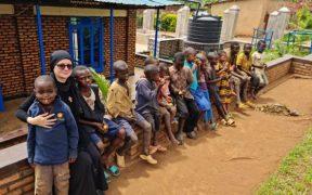 """Campania """"Îmbracă un copil de Paști"""" a ajuns în Africa"""