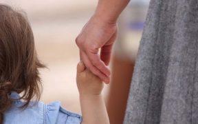 DGASPC Sibiu anunţă efectuarea selecţiei în vederea formării şi atestării de asistenţi maternali profesionişti