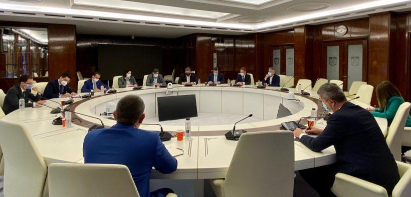 Dan Barna a invitat reprezentanții federațiilor sportive la consultări