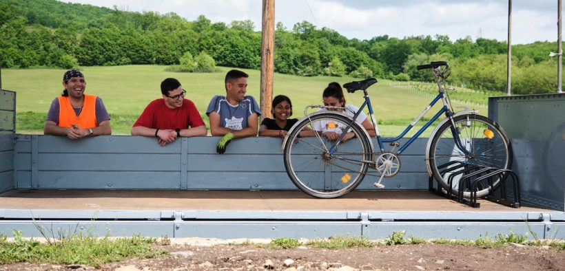 Mocănița are de astăzi atașat un vagon pentru biciclete