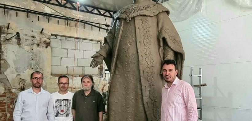 În aproximativ 2 luni statuia lui Brukenthal va fi așezată în Piața Mare