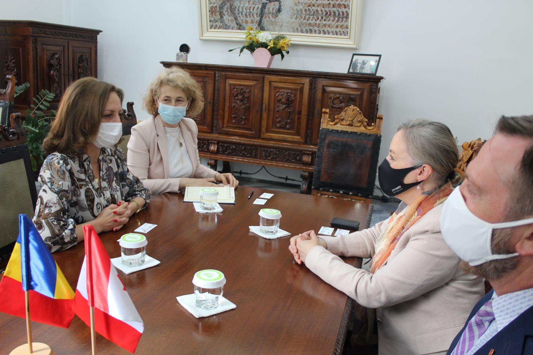 Annick Goulet – ambasadoarea Canadei în vizită la Consiliul Judetean Sibiu