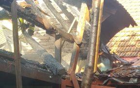 Incendiu puternic la o magazie din Turnu Roșu, cauzat de un scurtcircuit