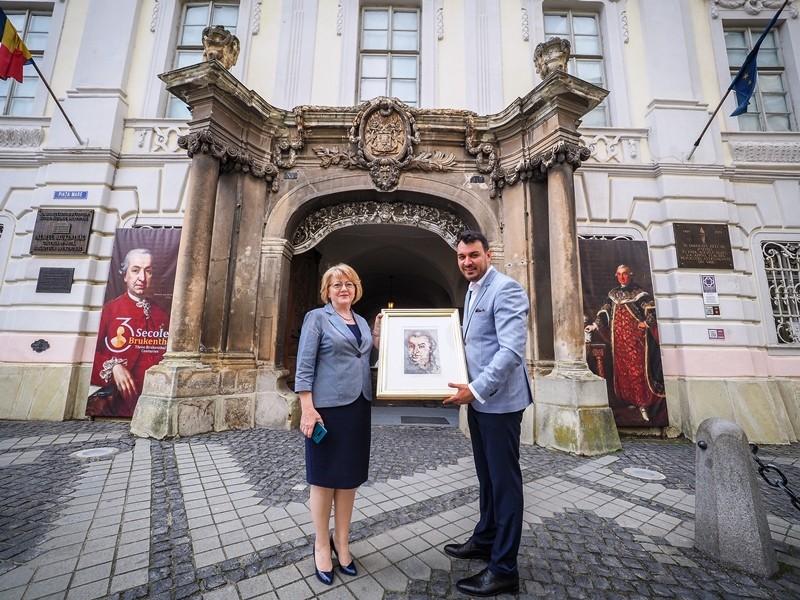 Curtea Muzeului Național Brukenthal s-a transformat într-un adevărat salon al artelor