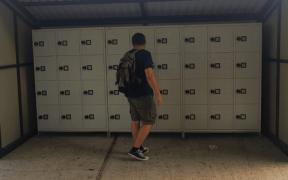 Premieră în Sub Arini- se montează dulapuri pentru persoanele pasionate de sport