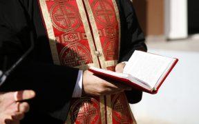 Se caută preoți pentru parohiile din Gura Râului și Șmig