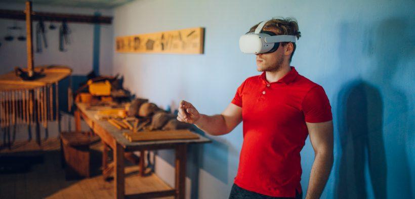 ASTRA VR, o expoziție prin care vizitatorii pot utiliza 20 de perechi de căști VR