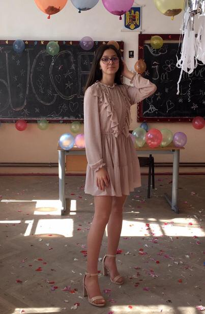Elena Solomon, eleva de 10 din comuna Loamneș