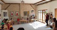 Bibliotecarii astriști susțin ateliere de lectură pentru copiii din cartierul Gușterița