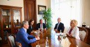 Europarlamentarul Dacian Cioloș și Ministrul Digitalizării Ciprian Teleman, în vizită la Primăria Sibiu