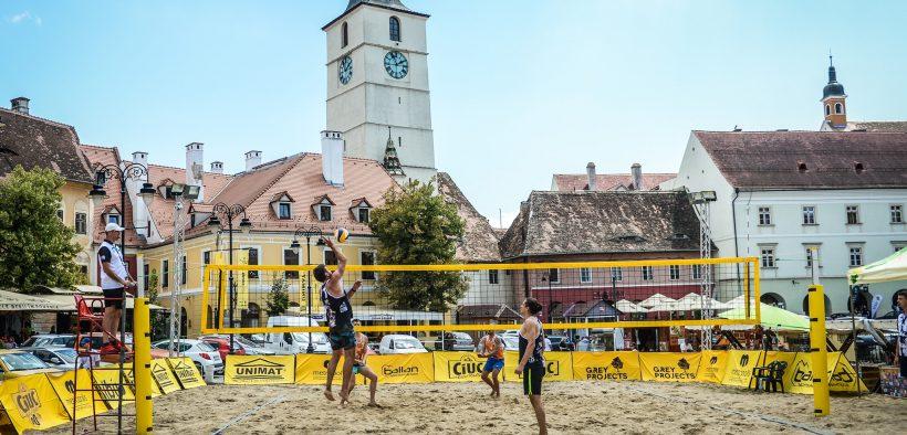 Piața Mică, gazda spectaculosului turneu de beach volley Sibiu Sands